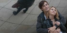 LOL : images du remake avec Miley Cyrus et Demi Moore