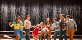 Glee Saison 4 Episode 20 – Lights Out